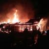 Kebakaran Hebat Hanguskan 6 Rumah Di Komplek Asrama Korem, Binjai